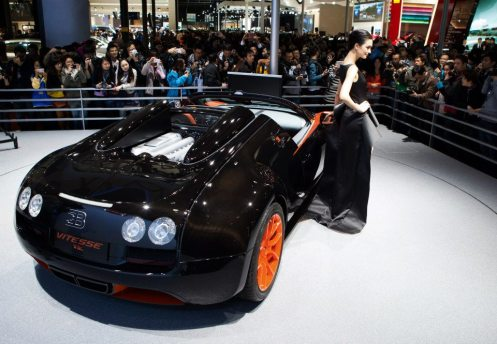 bugatti-veyron-grand-sport-vitesse-wrc-introduced-in-shanghai-photo-gallery_7 (1)